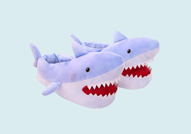 大白鲨毛绒拖鞋
