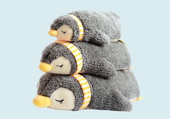 趴姿小企鹅毛绒玩具