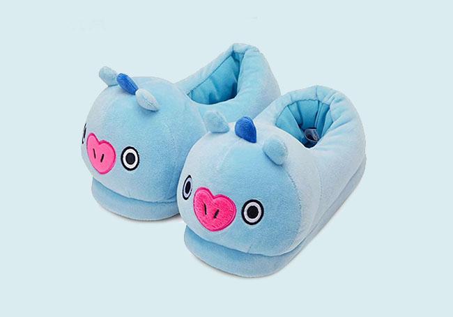 蓝色小猪毛绒拖鞋