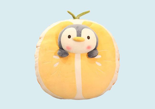 橙子小企鹅毛绒玩具