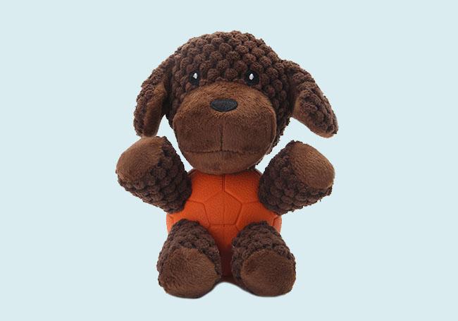 深深狗狗啃咬玩具